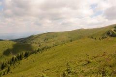 Belle vue des montagnes carpathiennes, Roumanie photographie stock libre de droits