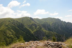 Belle vue des montagnes carpathiennes, Roumanie photo stock