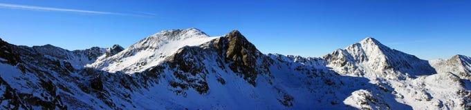 Belle vue du Bucura 1 crête en montagnes de Retezat, Roumanie Images stock