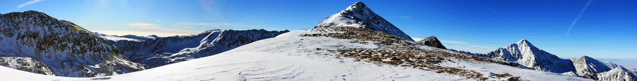 Belle vue du Bucura 1 crête en montagnes de Retezat, Roumanie Photo libre de droits