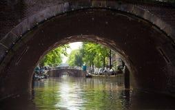 Belle vue du canal à Amsterdam Photo stock