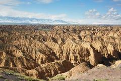 Belle vue du canyon de Zhabyr à l'arrière-plan du MOU image stock