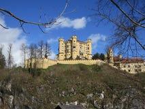 Belle vue du château de Hohenschwangau Photographie stock libre de droits