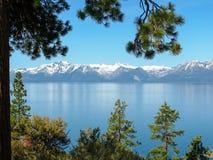 Belle vue du lac Tahoe ci-dessus, Sierra Nevada Photographie stock libre de droits
