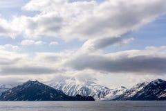 Belle vue du volcan Vilyuchinsky de l'oc?an, p?ninsule de Kamchatka, Russie photos libres de droits