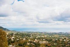 Belle vue panoramique aérienne du parc de Mijas, paysage marin Photographie stock