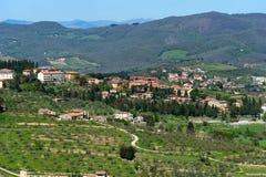 Belle vue panoramique des zones résidentielles Radda dans la province de chianti de Sienne, Toscane, Italie image stock