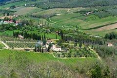 Belle vue panoramique des zones résidentielles Radda dans la province de chianti de Sienne, Toscane, Italie photos stock