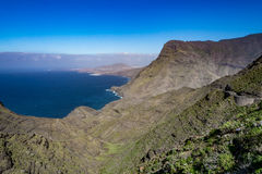 Belle vue panoramique (mamie Canaria) de paysage jaune canari grand de littoral Photographie stock libre de droits