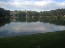 Belle vue scénique de lac alberta Photo libre de droits