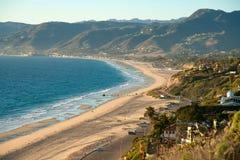 Belle vue sur la plage Malibu de Dume de point photo stock
