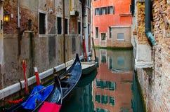 Belle vue traditionnelle de canal de Venise image libre de droits