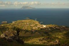 Belle vue vers l'île voisine outre du sao Miguel, Açores Photo libre de droits