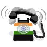 Bellende zwarte stationaire telefoon met roterende wijzerplaat en met vlag van India stock foto's