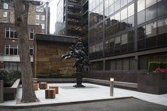 Bellerophon som tämjer den Pegasus skulptören Arkivfoton