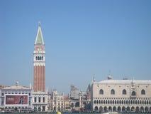 Belles églises de Venise en été Photo stock