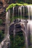 Belles cascades à écriture ligne par ligne Images stock