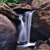 Belles cascades à écriture ligne par ligne Image stock
