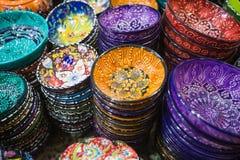 Belles cuvettes arabes colorées Image stock