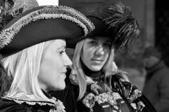 Belles femmes avec le costume dans le carnaval de Venise, Italie 2015 Images libres de droits