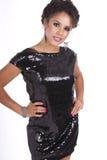 Belles femmes dans peu de robe noire Images stock