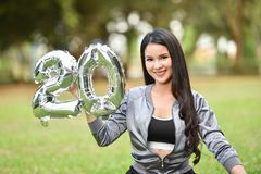 Belles filles 20 femmes heureuses d'amusement de filles Photos stock