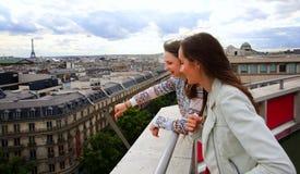 Belles filles heureuses Photographie stock libre de droits