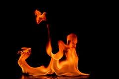 Belles flammes du feu image libre de droits