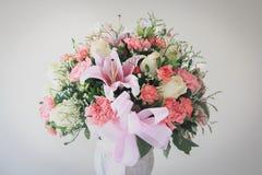 Belles fleurs dans le style de vintage Photos stock