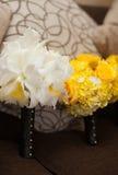 Belles fleurs de jeune mariée et de demoiselle d'honneur Photos stock