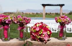 Belles fleurs de jeune mariée et de demoiselle d'honneur Photos libres de droits