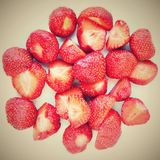 Belles fraises fraîches sur un fond blanc propre Images stock