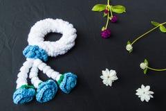 Belles guirlande et fleurs images libres de droits