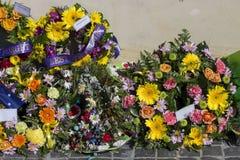 Belles guirlandes florales sur Anzac Day dans l'Australie occidentale de Bunbury Images stock