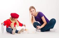 Dessin assez jeune de mère et de fille Photos libres de droits