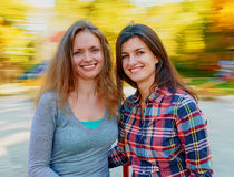 Belles jeunes femmes heureuses Photos stock