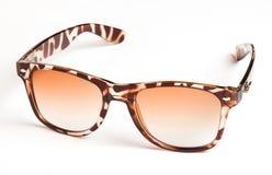 Belles lunettes de soleil avec le verre coloré photo stock