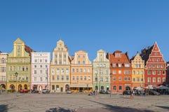 Belles maisons d'appartement historiques à la vieille place du marché dans la vieille ville à Wroclaw, Pologne image stock
