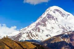 Belles montagnes de Caucase, la Géorgie Photographie stock libre de droits