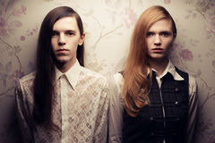 Belles personnes aux cheveux longs dans le style de vintage Photos libres de droits