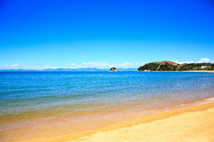 Belles plages oranges le long d'Abel Tasman Great Walk Images libres de droits