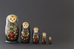 Belles poupées noires de matryoshka Photos libres de droits