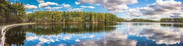 Belles réflexions de lac Image libre de droits
