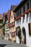 Belles rues dans le der Tauber d'ob de Rothenburg Photographie stock libre de droits