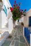 Belles rues de Folegandros, Grèce Photos stock
