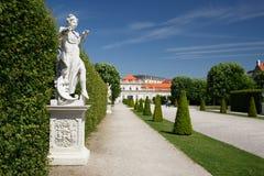Belles statues dans le jardin du palais inférieur de belvédère V image stock