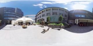 360 belles statues visuelles près de l'entrée à la galerie banque de vidéos