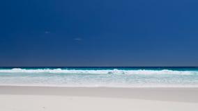 Belles vagues de turquoise Image libre de droits