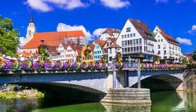 Belles villes de l'Allemagne - la Tübinga, vue des décorums de pont Images stock