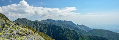 Belles vues sur de hautes montagnes de Tatras photographie stock